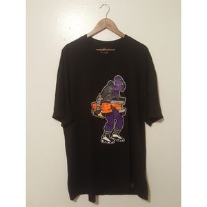 FOOT SOLDIER SNEAKER CLAN TEE